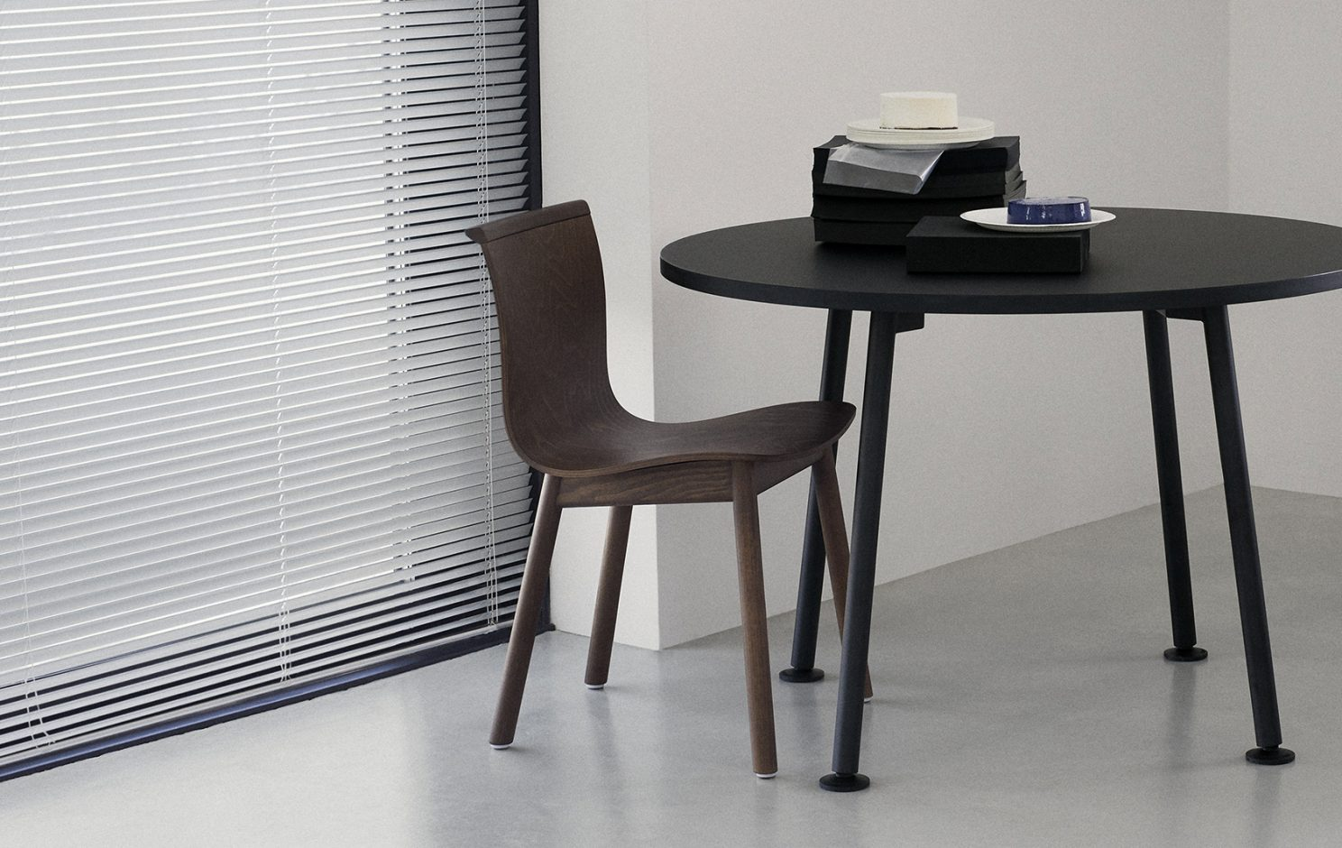 Landa Table Round collection