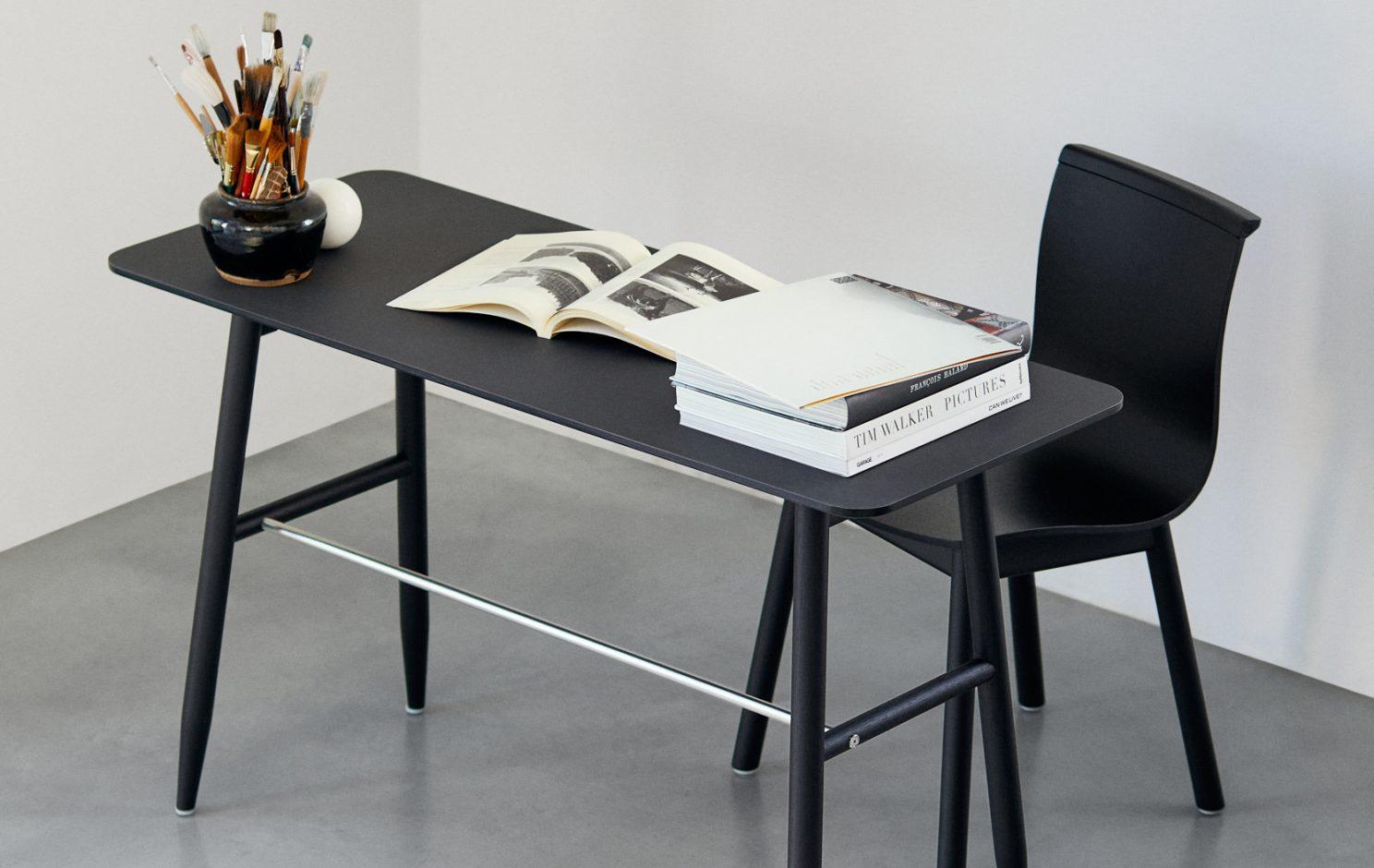 Icha Desk collection