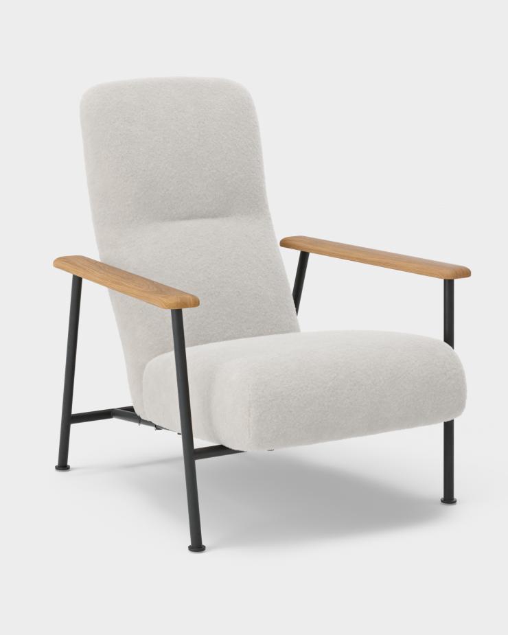 Jump Easy Chair – Oiled Oak