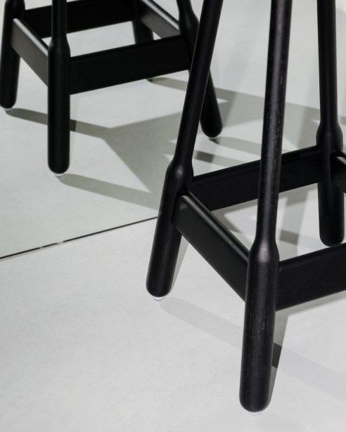 Albert stool BLACK STAINED OAK