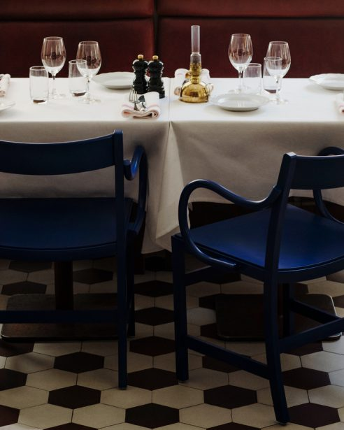 waiter xl ultramarine blue